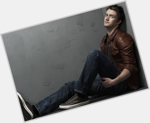 robert buckley one tree hill 2.jpg