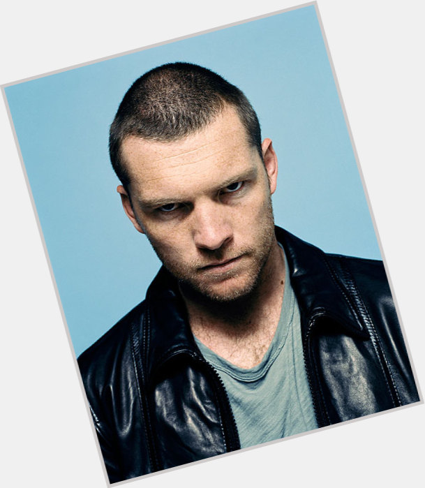 sam worthington girlfriend 1.jpg