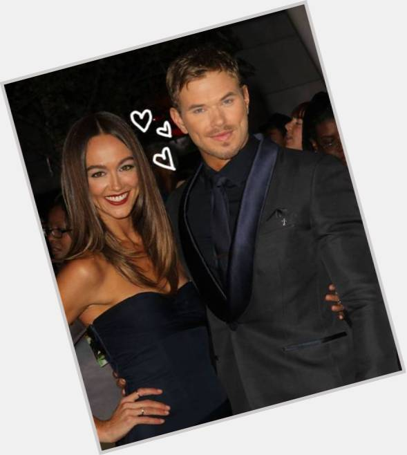 sharni vinson and kellan lutz 0.jpg