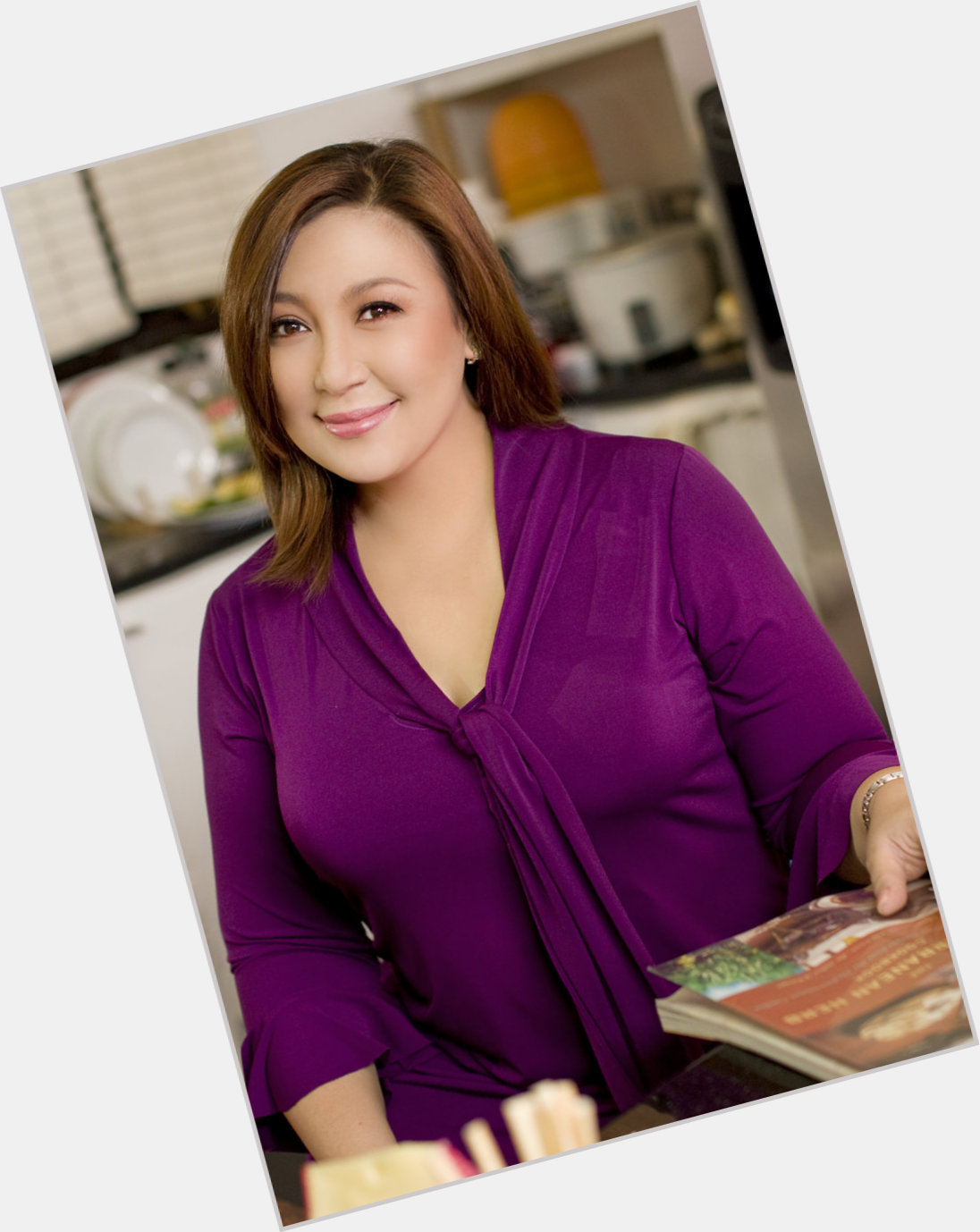 Most liked filipino celebrity on facebook