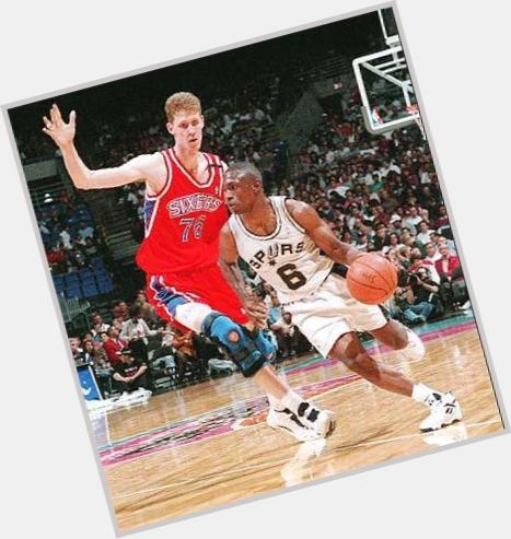 shawn bradley and yao ming 0.jpg