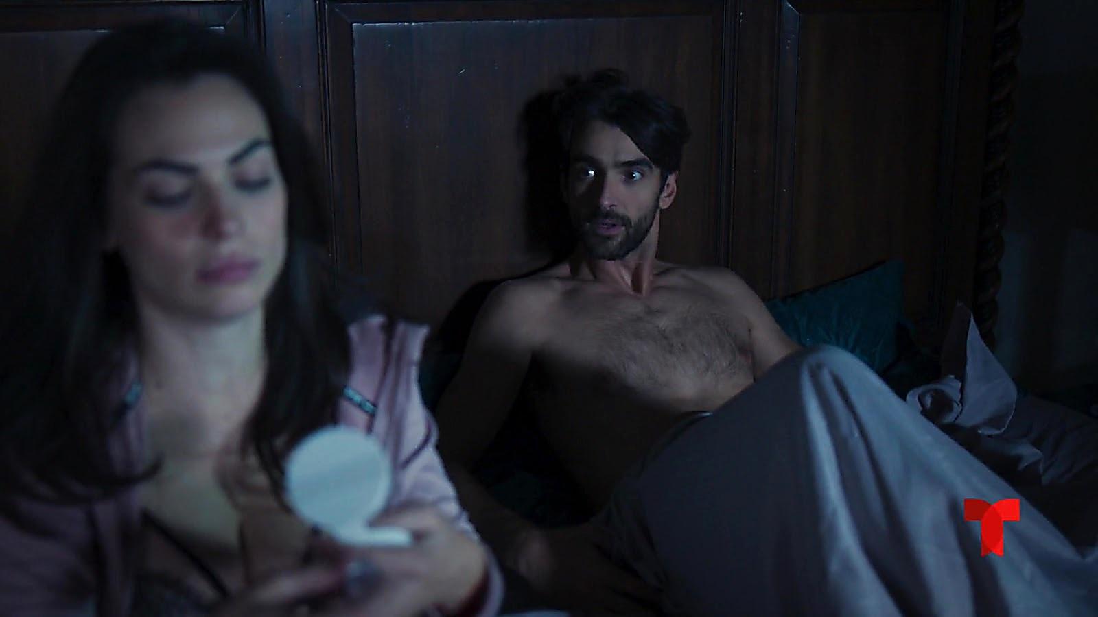 Aitor Luna sexy shirtless scene July 3, 2020, 7am