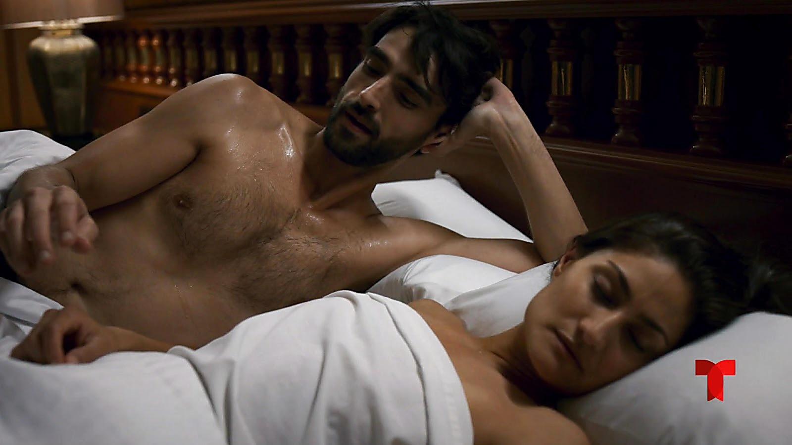 Aitor Luna sexy shirtless scene July 20, 2020, 1pm