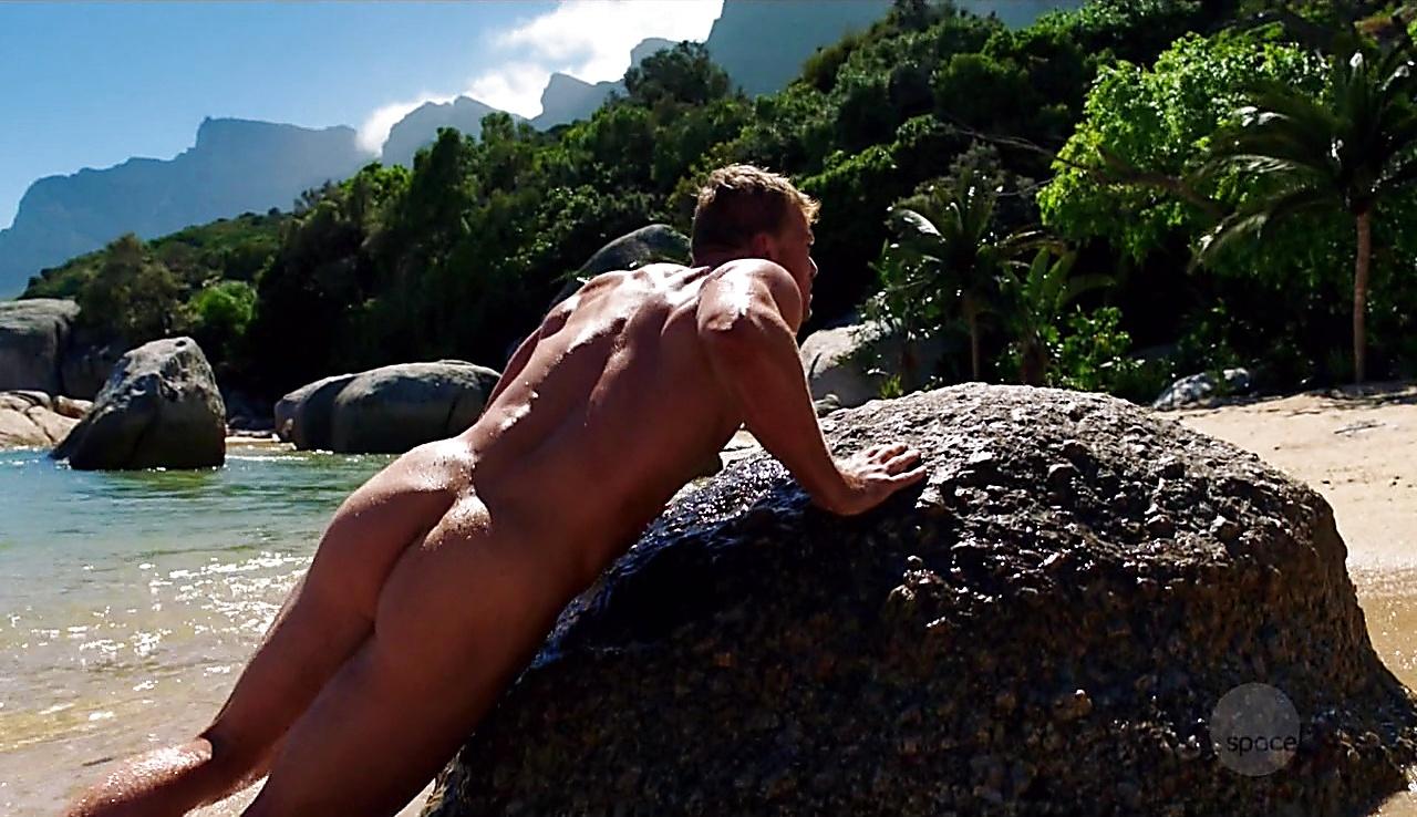 Alan Ritchson sexy shirtless scene September 7, 2017, 2am