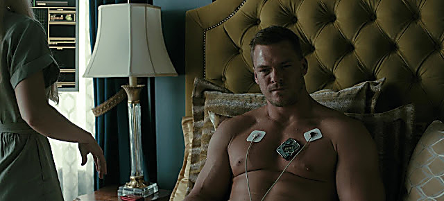 Alan Ritchson sexy shirtless scene August 15, 2021, 10am