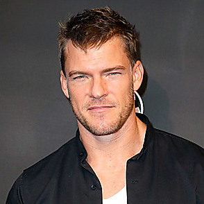 Alan Ritchson latest sexy shirtless June 5, 2021, 9pm