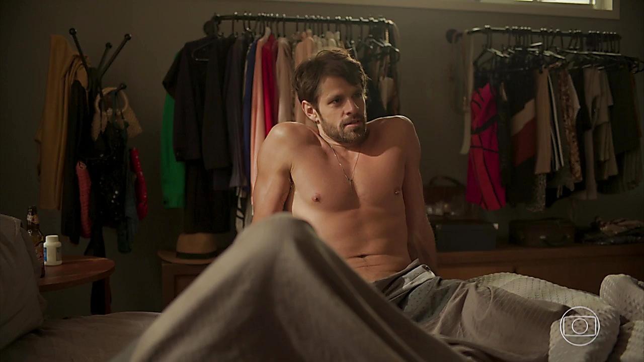 Alejandro Claveaux sexy shirtless scene January 30, 2020, 1pm