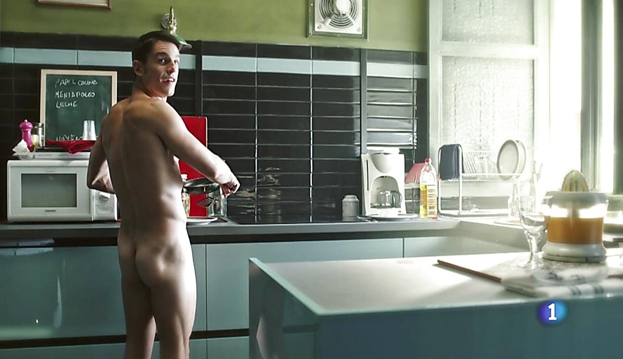 Alejo Sauras sexy shirtless scene September 15, 2017, 6am