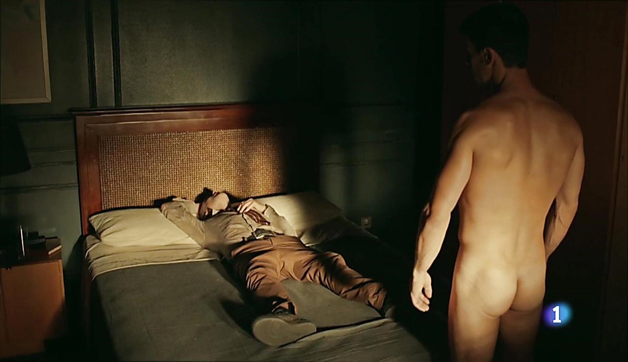Alejo Sauras sexy shirtless scene September 22, 2017, 1pm