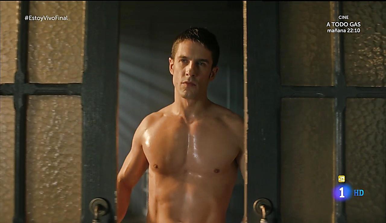 Alejo Sauras sexy shirtless scene December 15, 2017, 3pm