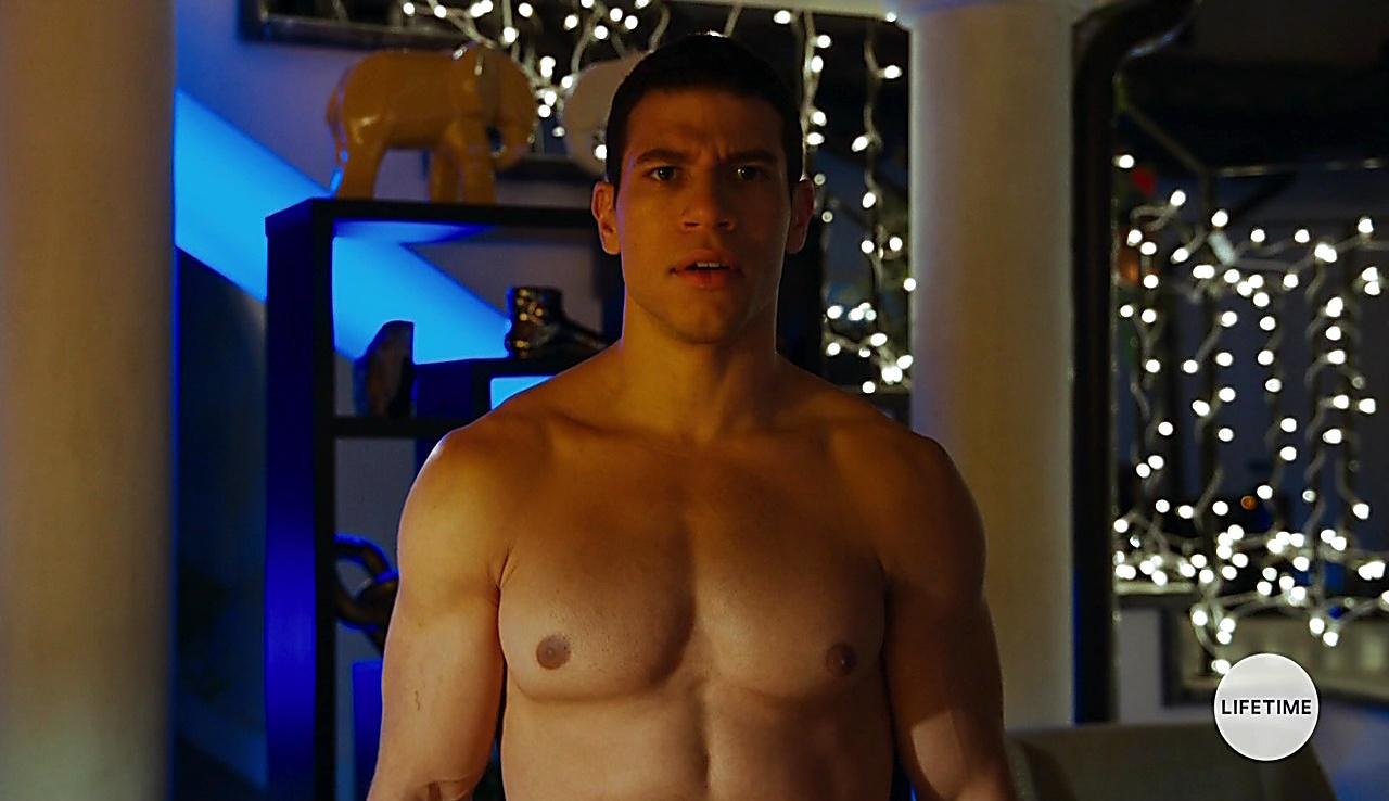 Alex Hernandez latest sexy shirtless scene March 13, 2018, 12pm