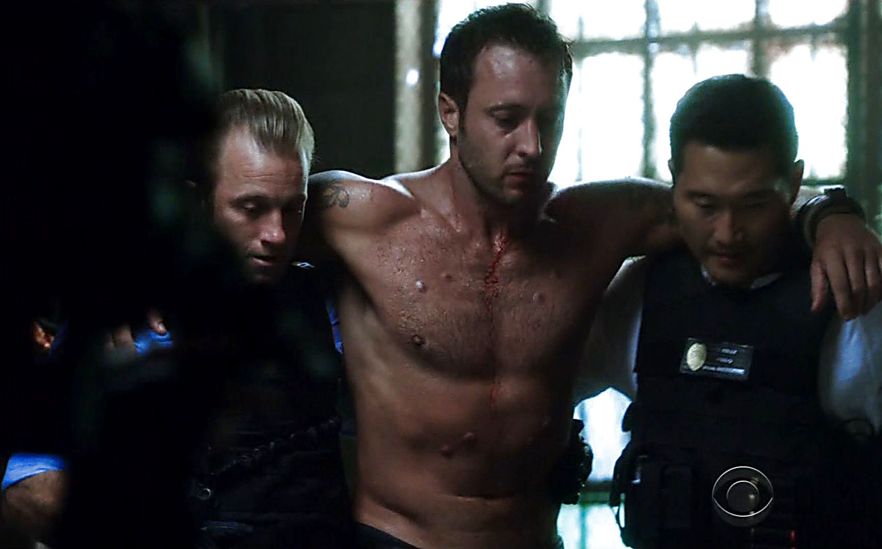 Alex O Loughlin sexy shirtless scene January 3, 2015, 1am