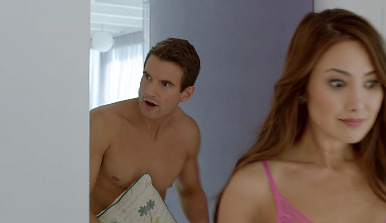 Alex Russell sexy shirtless scene April 14, 2018, 1pm