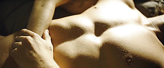 Alexander Dreymon sexy shirtless scene January 12, 2021, 1pm