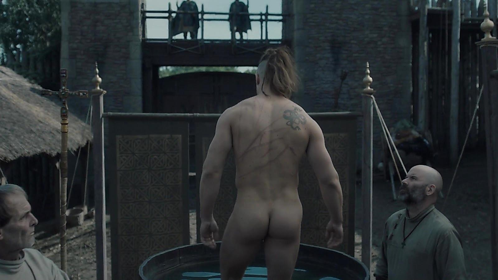 Alexander Dreymon sexy shirtless scene June 8, 2020, 3pm