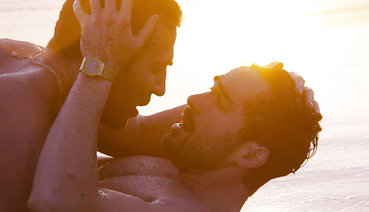 Alfonso Herrera sexy shirtless scene May 6, 2017, 9am