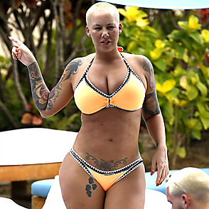 Amber Rose latest sexy shirtless February 4, 2017, 11am