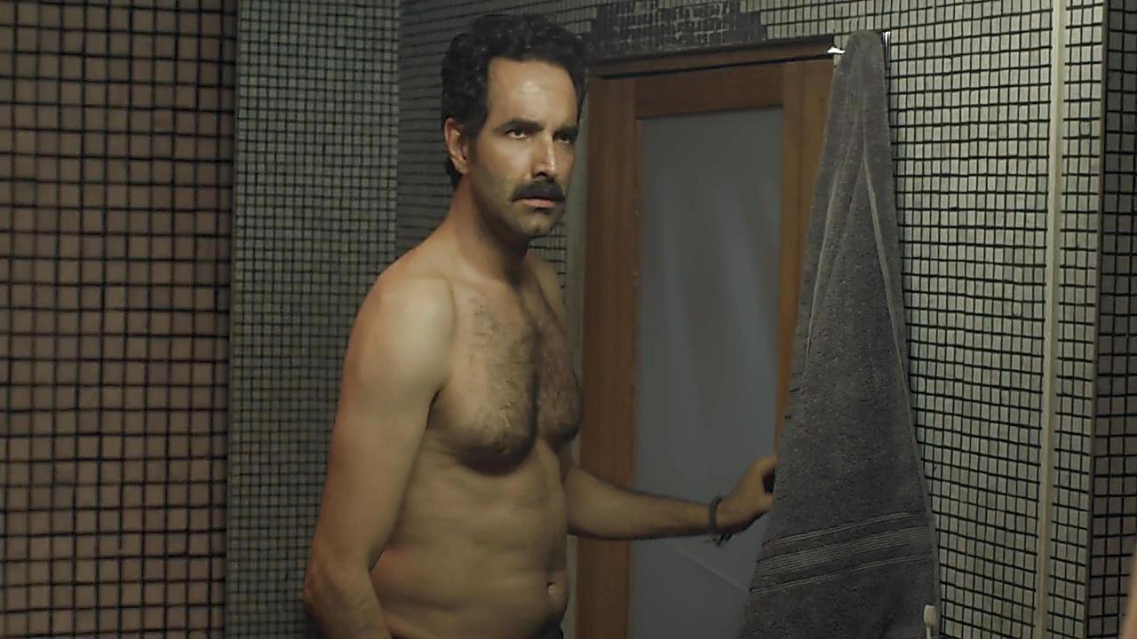 Arturo Barba sexy shirtless scene November 5, 2018, 1pm