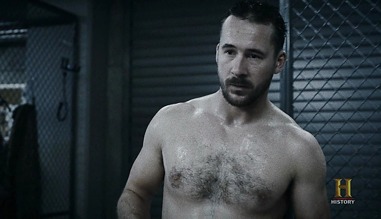Barry Sloane sexy shirtless scene February 2, 2017, 1pm
