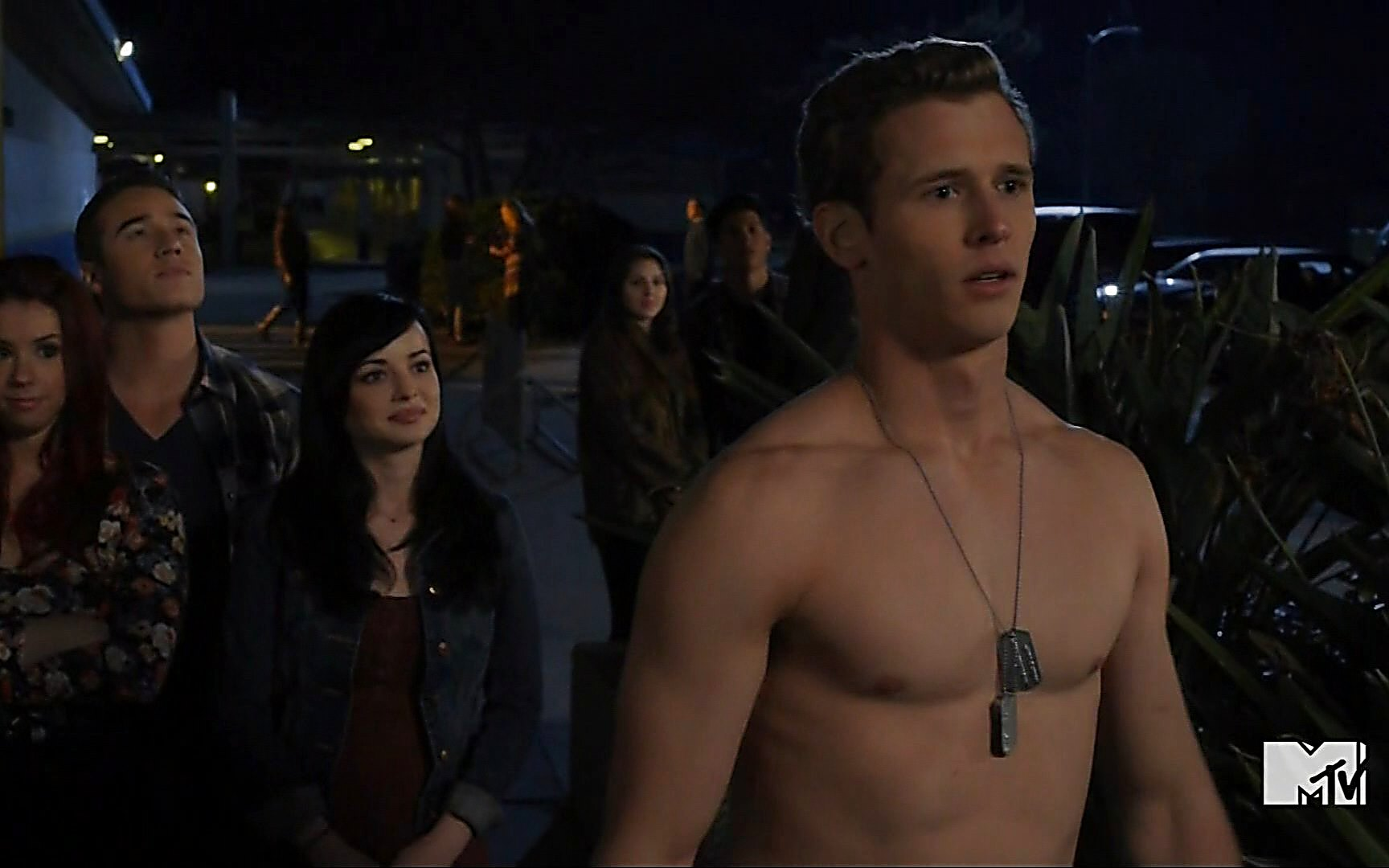 Cayden Boyd sexy shirtless scene October 17, 2015, 9pm