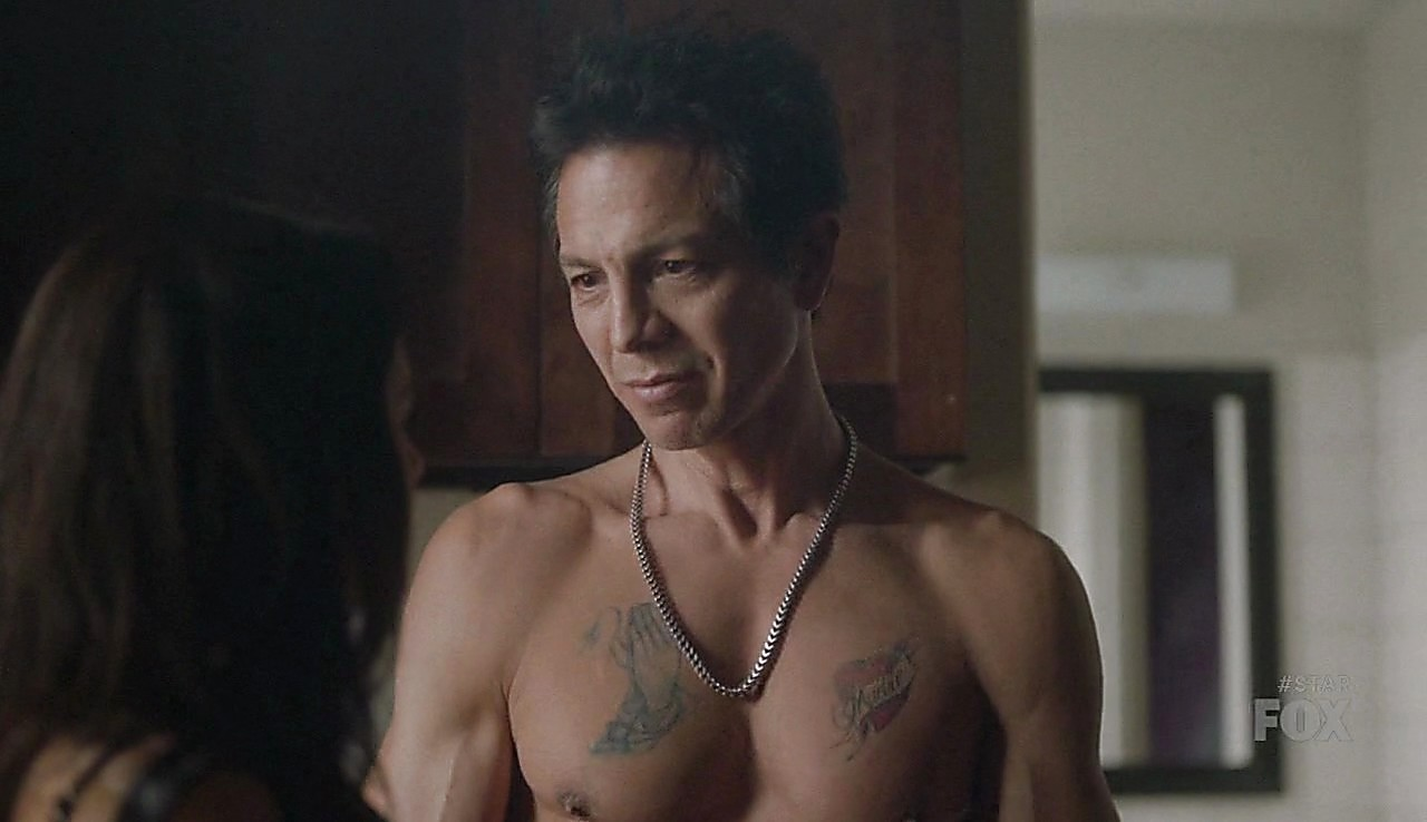 Benjamin Bratt latest sexy shirtless scene March 11, 2017, 1pm