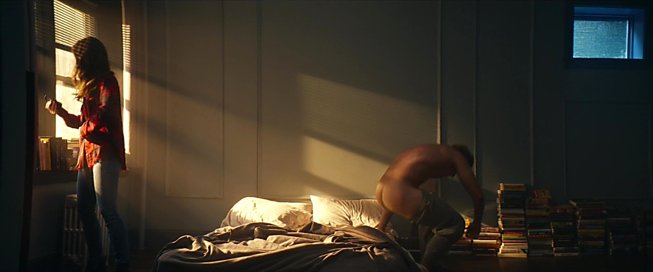 Billy Magnussen sexy shirtless scene November 22, 2018, 10am