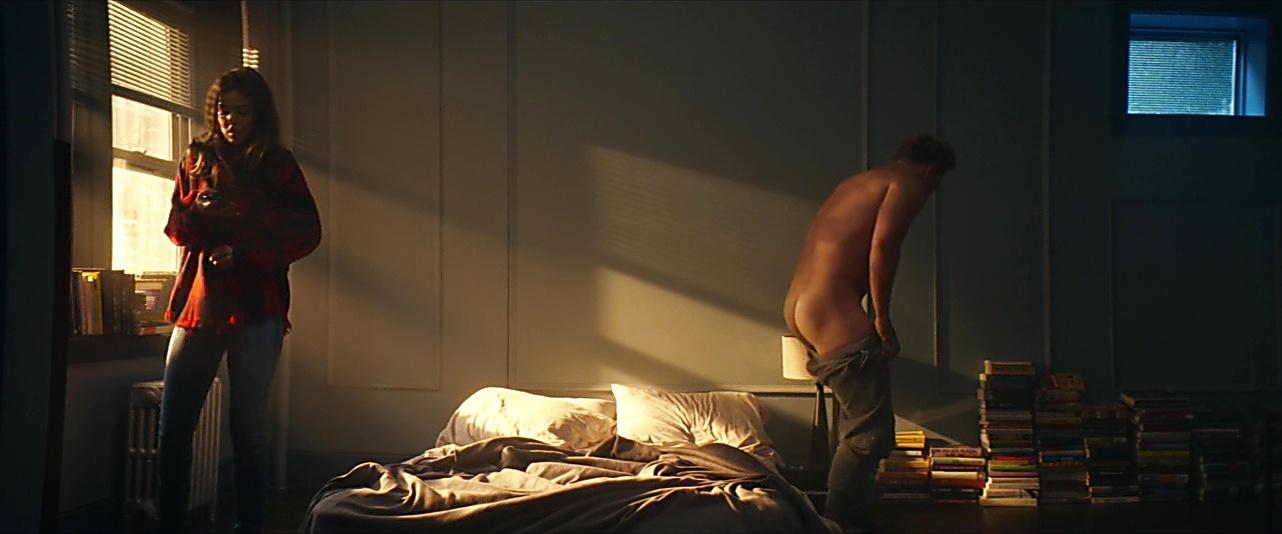 Billy Magnussen sexy shirtless scene November 22, 2018, 10am