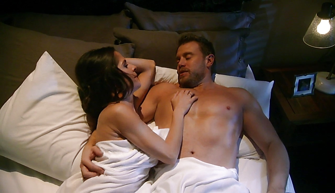Billy Miller sexy shirtless scene January 23, 2018, 1pm