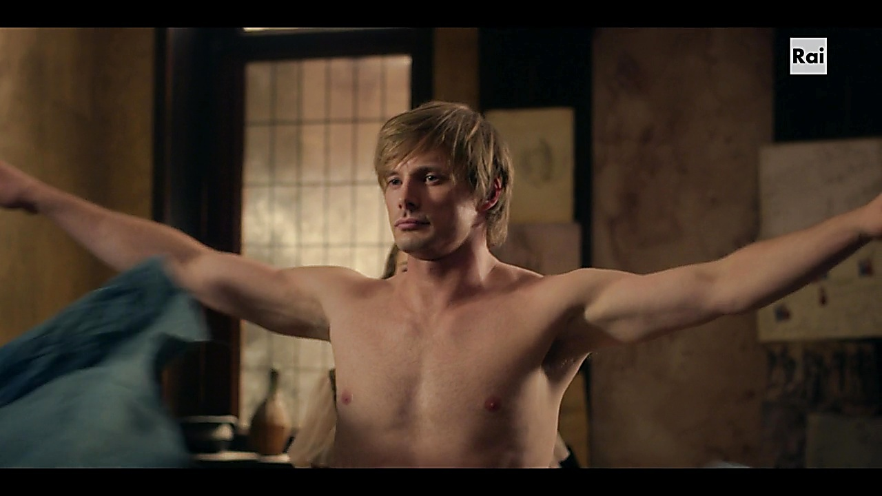 Bradley James sexy shirtless scene November 7, 2018, 12pm