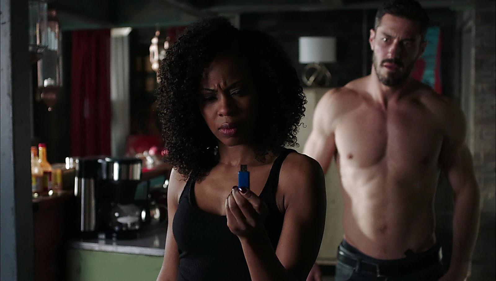 Brandon Quinn sexy shirtless scene May 10, 2017, 12pm