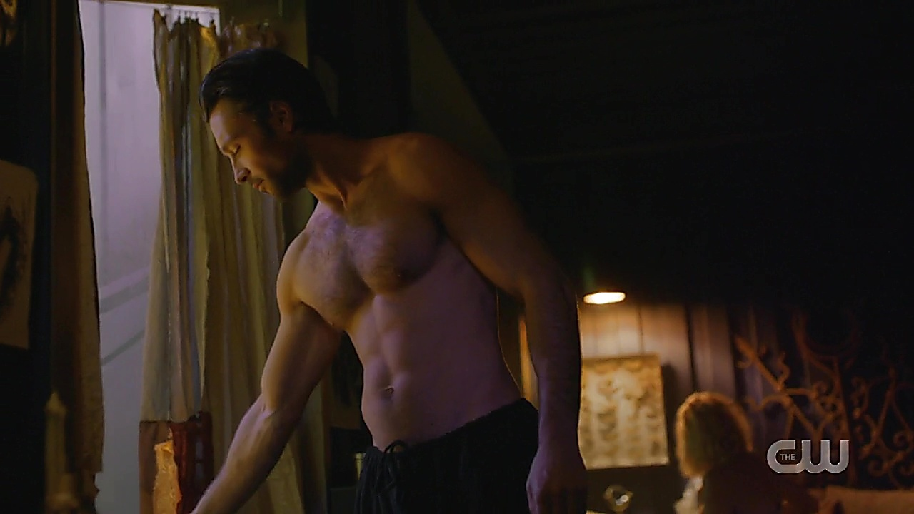 Carlo Marks sexy shirtless scene May 22, 2019, 1pm