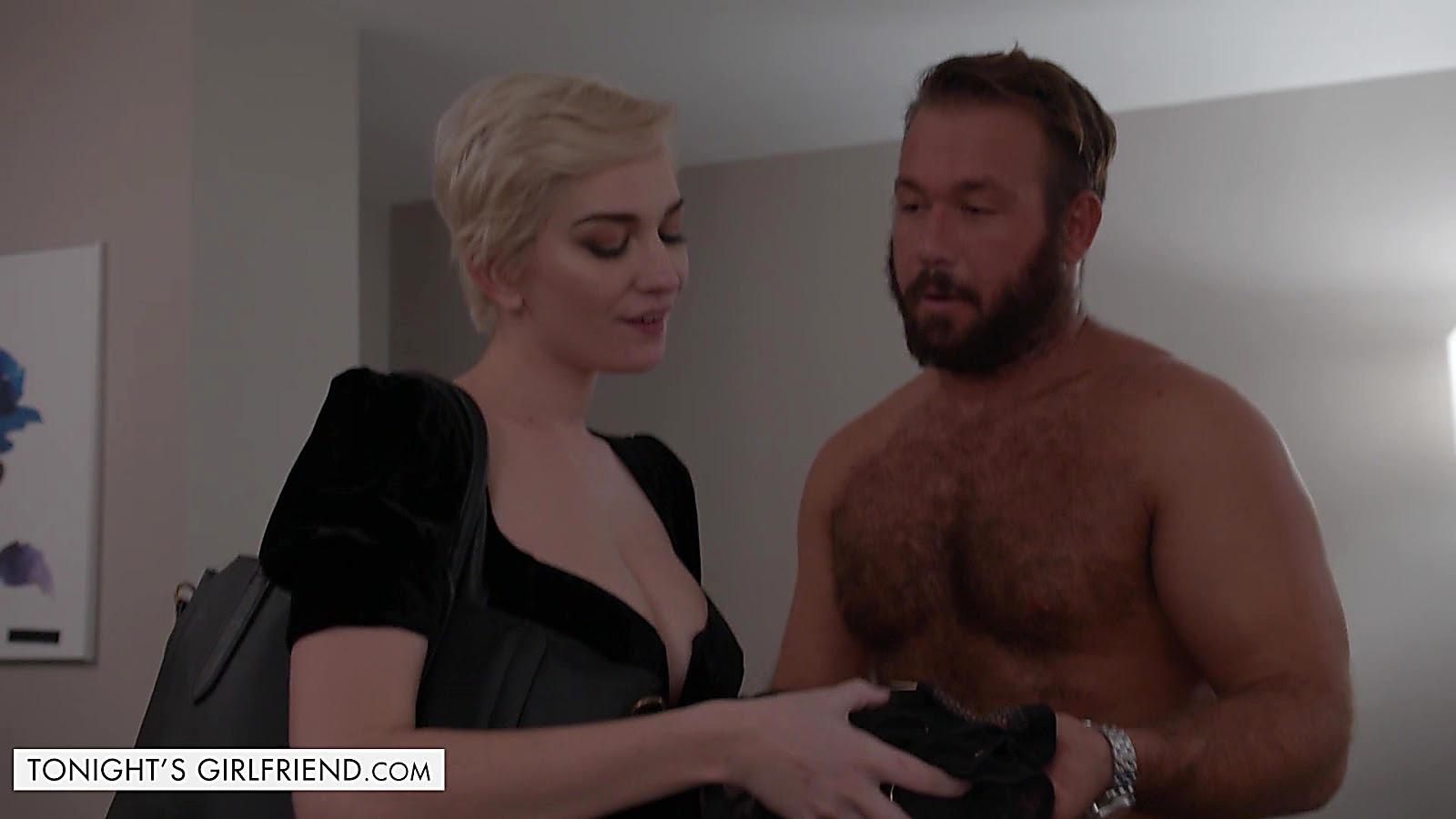Chad White sexy shirtless scene December 12, 2019, 11am