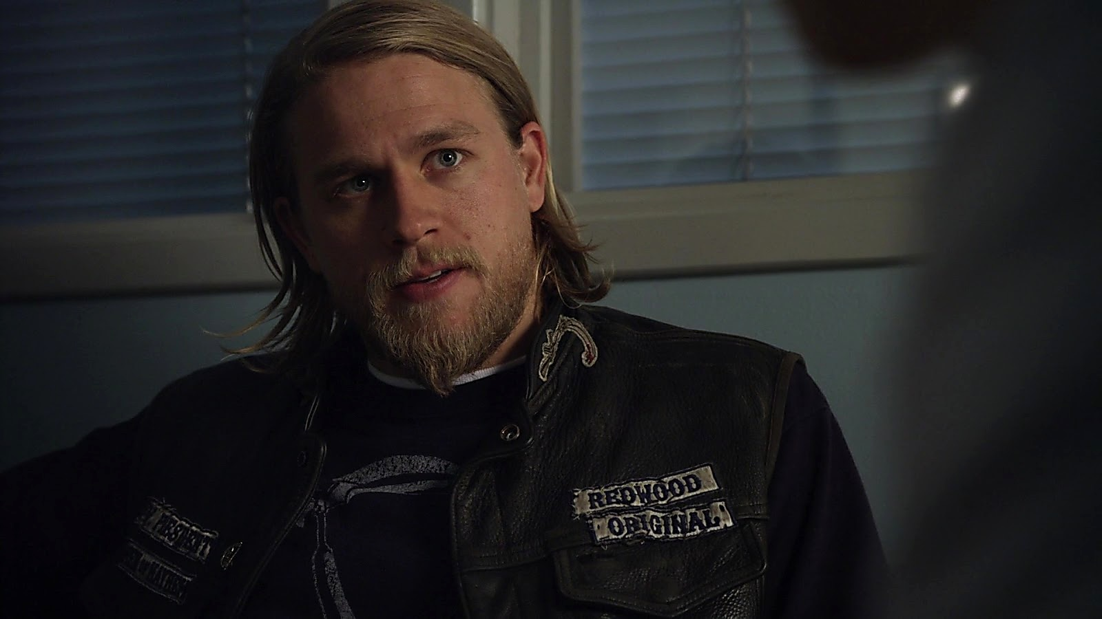 Charlie Hunnam Sons Of Anarchy S03E06 2020 04 24 1587721620 2