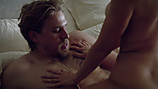 Charlie Hunnam Sons Of Anarchy S06E10 2020 08 09 1596989580 3