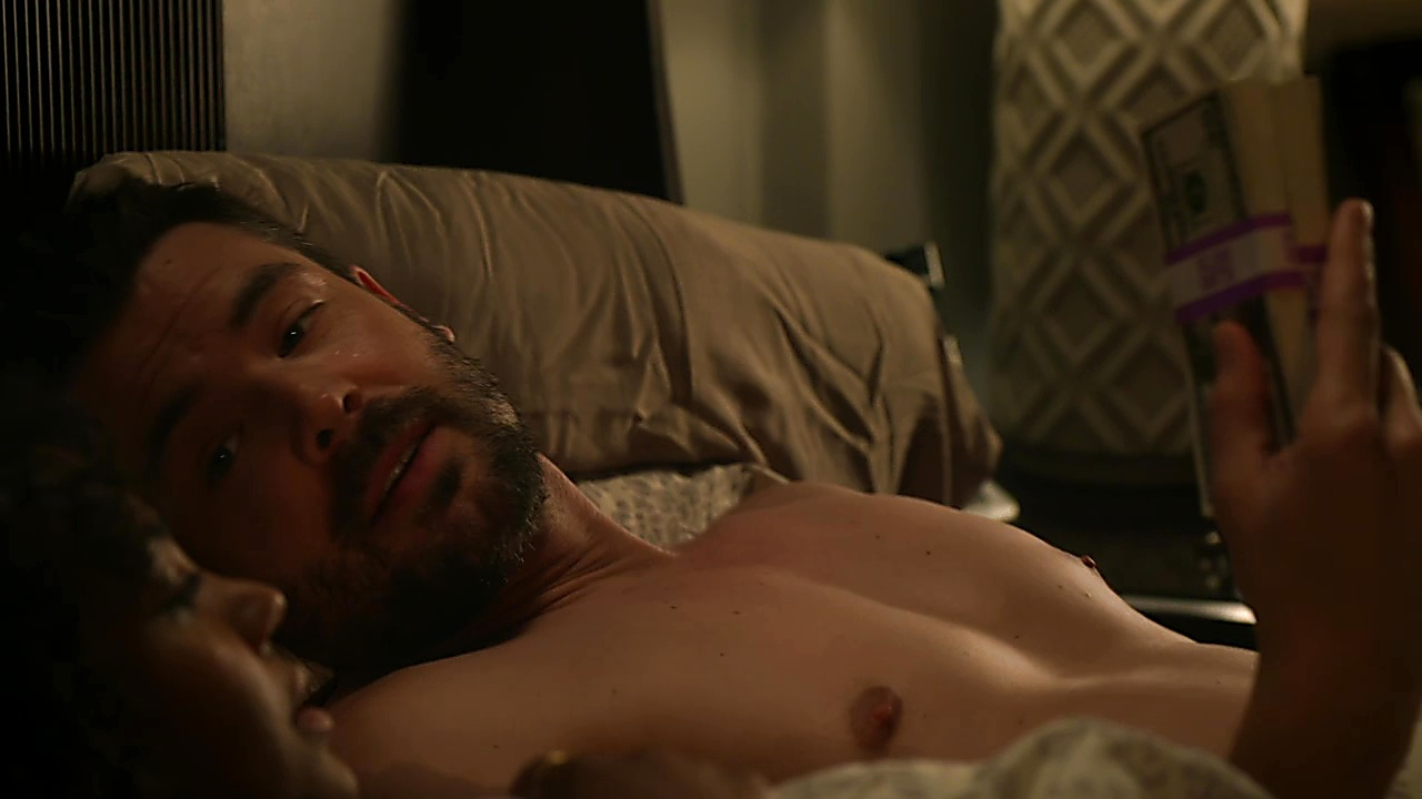 Charlie Weber latest sexy shirtless scene October 5, 2018, 1pm