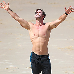 Chris Hemsworth latest sexy shirtless April 3, 2018, 2pm