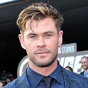 Chris Hemsworth latest sexy shirtless December 24, 2020, 8pm