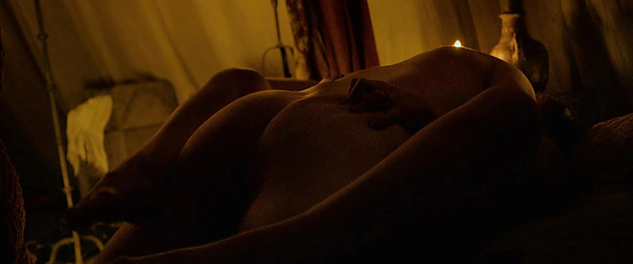 Chris Pine sexy shirtless scene November 9, 2018, 11am