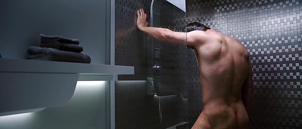 Chris Pratt sexy shirtless scene February 23, 2017, 5am