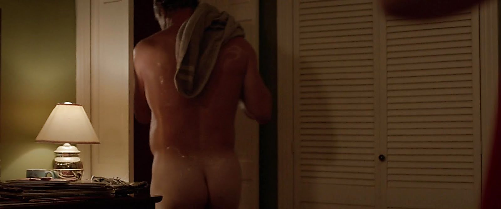 Christopher Meloni sexy shirtless scene November 23, 2017, 12pm