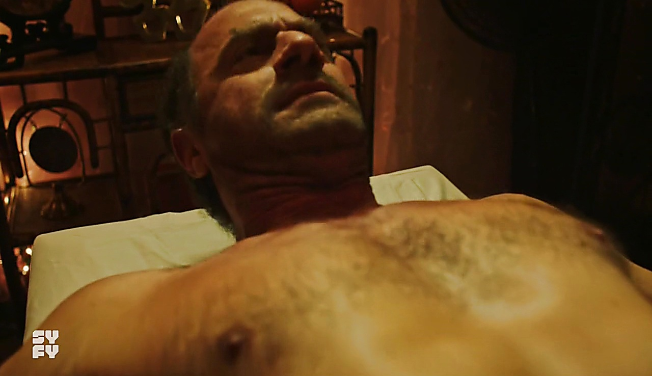 Christopher Meloni sexy shirtless scene December 28, 2017, 11am