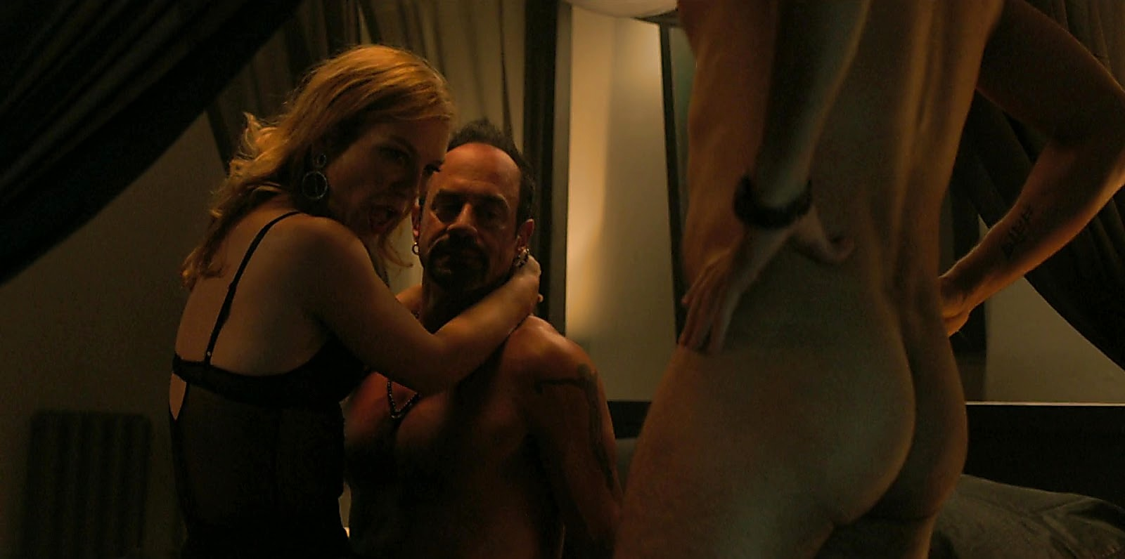 Christopher Meloni sexy shirtless scene July 28, 2020, 12pm