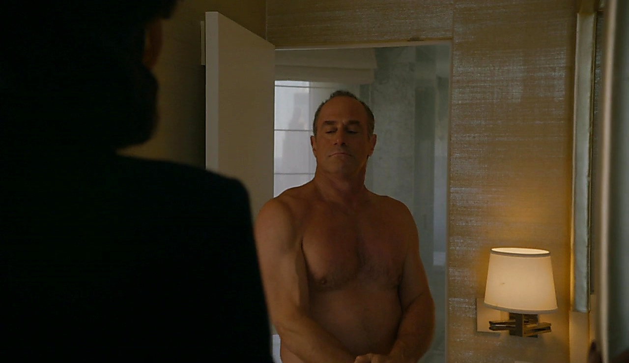 Christopher Meloni sexy shirtless scene June 25, 2018, 12pm