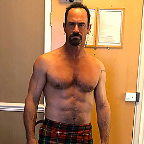 Christopher Meloni latest sexy shirtless March 23, 2020, 7pm