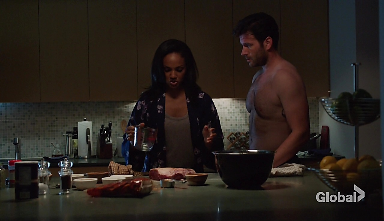 Colin Donnell sexy shirtless scene November 28, 2017, 1pm