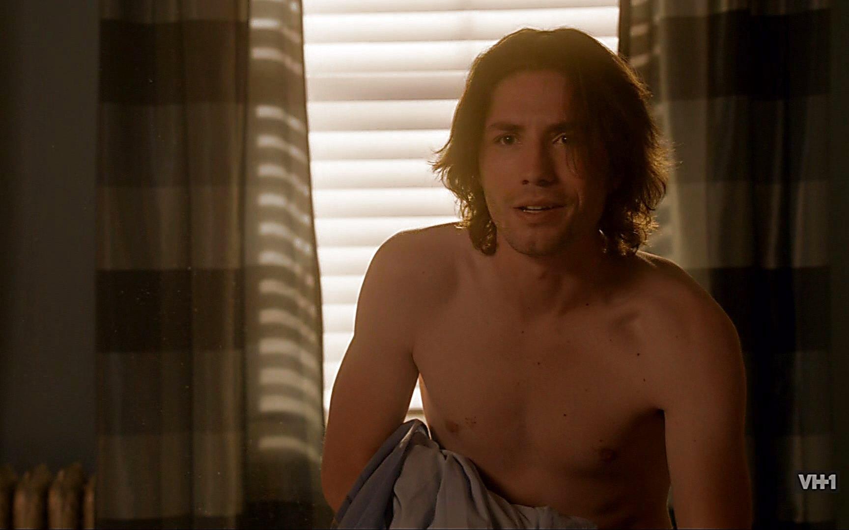 Craig Horner sexy shirtless scene January 3, 2015, 5pm