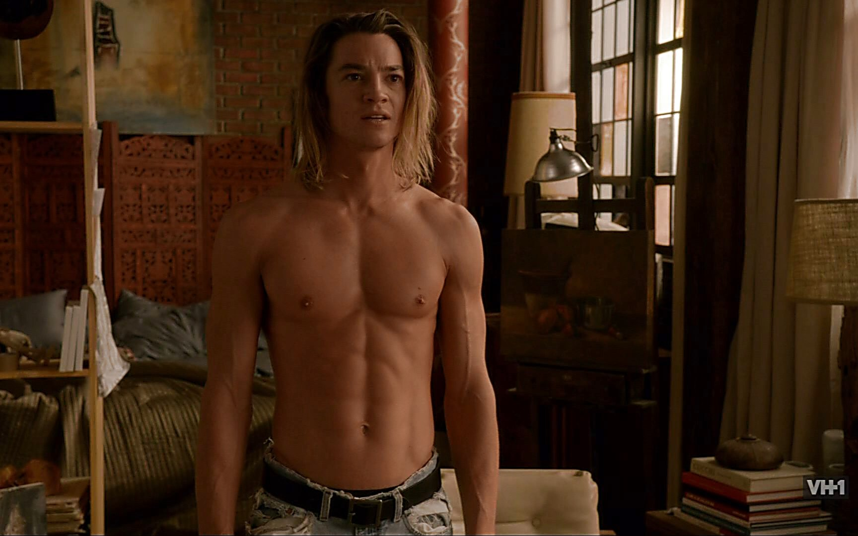 Craig Horner sexy shirtless scene January 3, 2015, 5pm