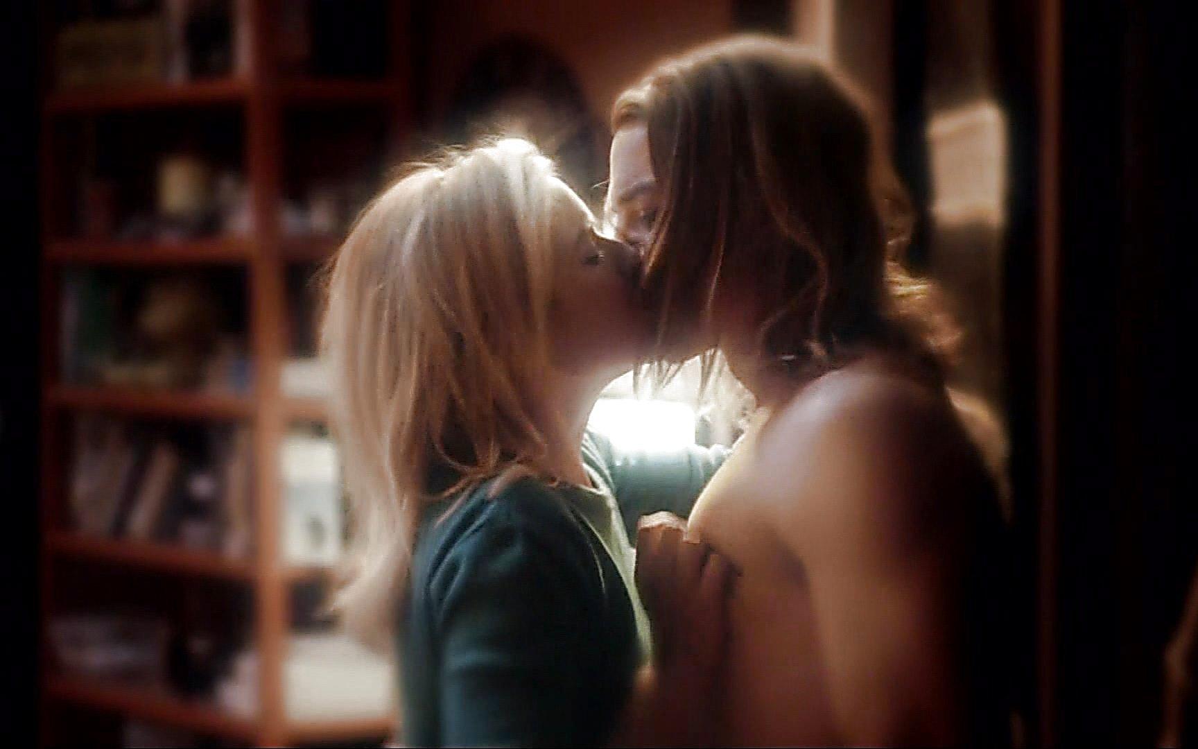 Craig Horner sexy shirtless scene February 22, 2015, 7pm