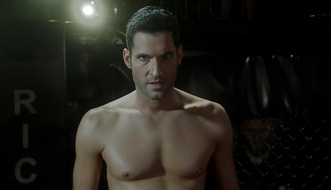 D B Woodside sexy shirtless scene January 2, 2018, 1pm