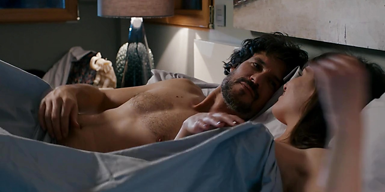 Daniel Grao sexy shirtless scene November 25, 2019, 1pm